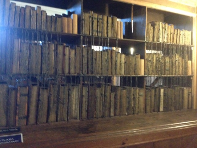 hereford-cathedral-library-bookcase