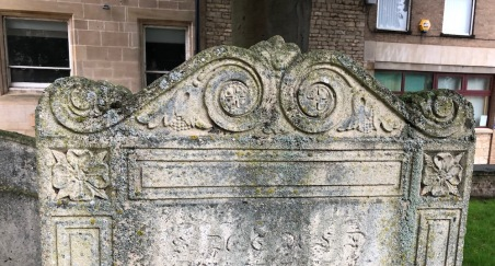 Stamford_StMichaels-tombstone-flowers