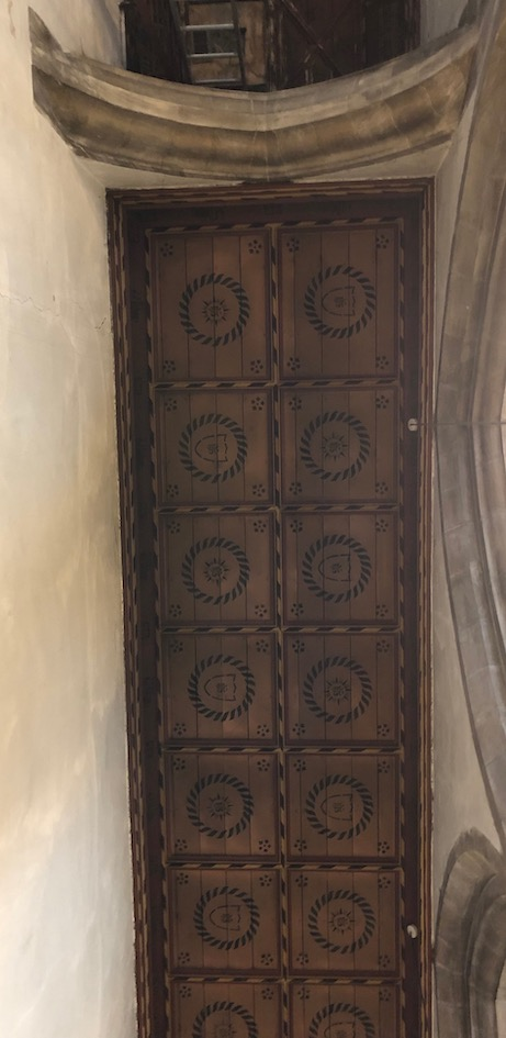 Lincoln_Bailgate-ceiling