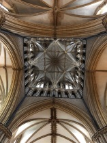 Lincoln_Cathedral-crossing-roof