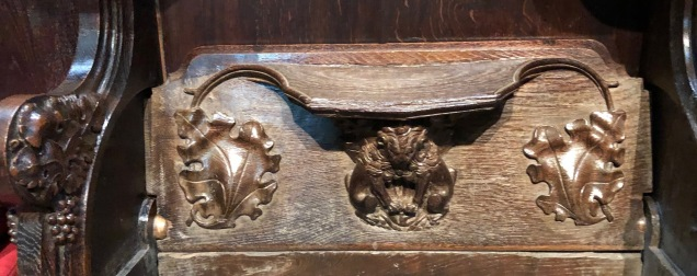 Lincoln_Cathedral-misericord-beasts