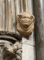 Lincoln_Cathedral-veiled-lady