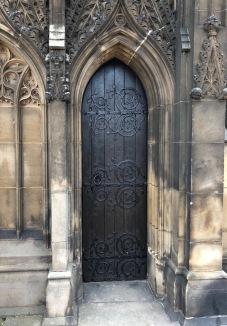 Wakefield_Bridge_Chantry-small-door
