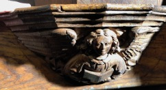 Wakefield_Cathedral_Misericord-angel