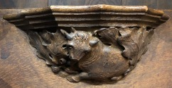 Wakefield_Cathedral_Misericord-cow