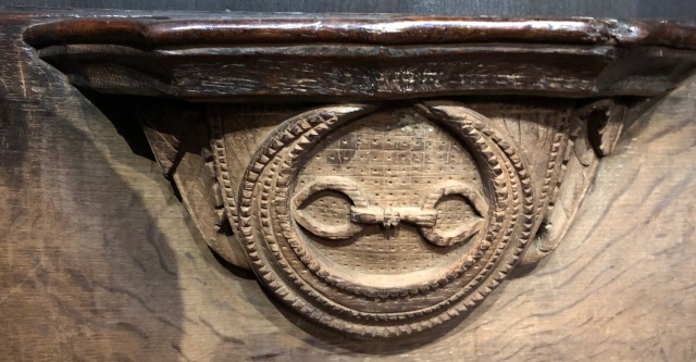 Wakefield_Cathedral_Misericord-crescent-fetterlock(manacles)-Percys