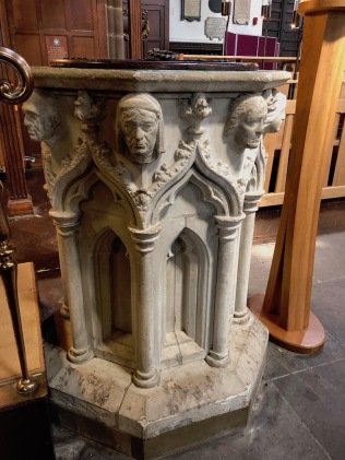 Leicester_Cathedral-font