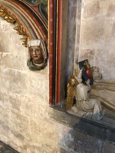 Bristol_Cathedral_bishop-mon-heads