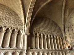 Bristol_Cathedral_chapter-house arches