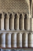 Bristol_Cathedral_chapter-house-stonework