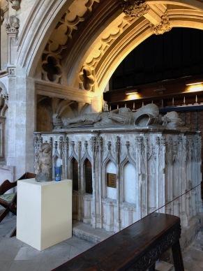 Bristol_Cathedral_Lady-chapel-Berkeley-tomb