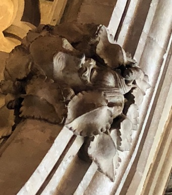 Bristol_Cathedral_Lady-chapel-Berkely-tomb-greenman